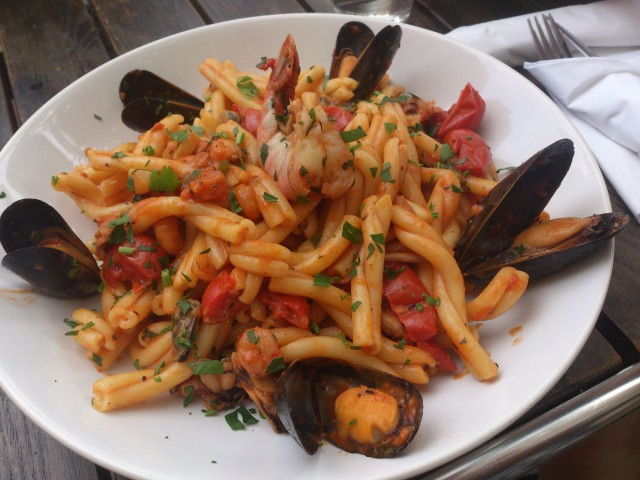 Tomato Sauce with Mixed Seafood
