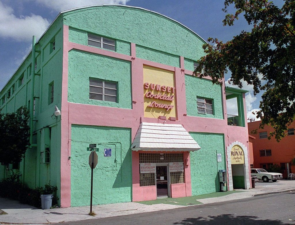Sunset Lounge in 2002