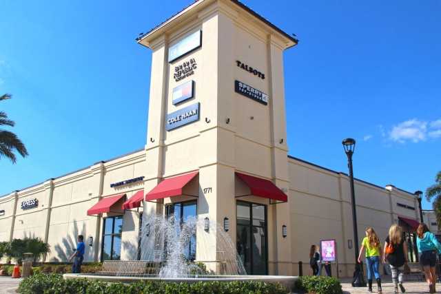 New Store and Restaurants at Palm Beach Outlets