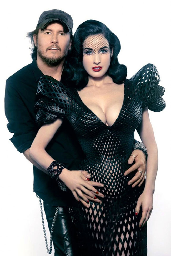 Michael-Schmidt-and-Dita-Von-Teese-in-the-3D-printed-dress