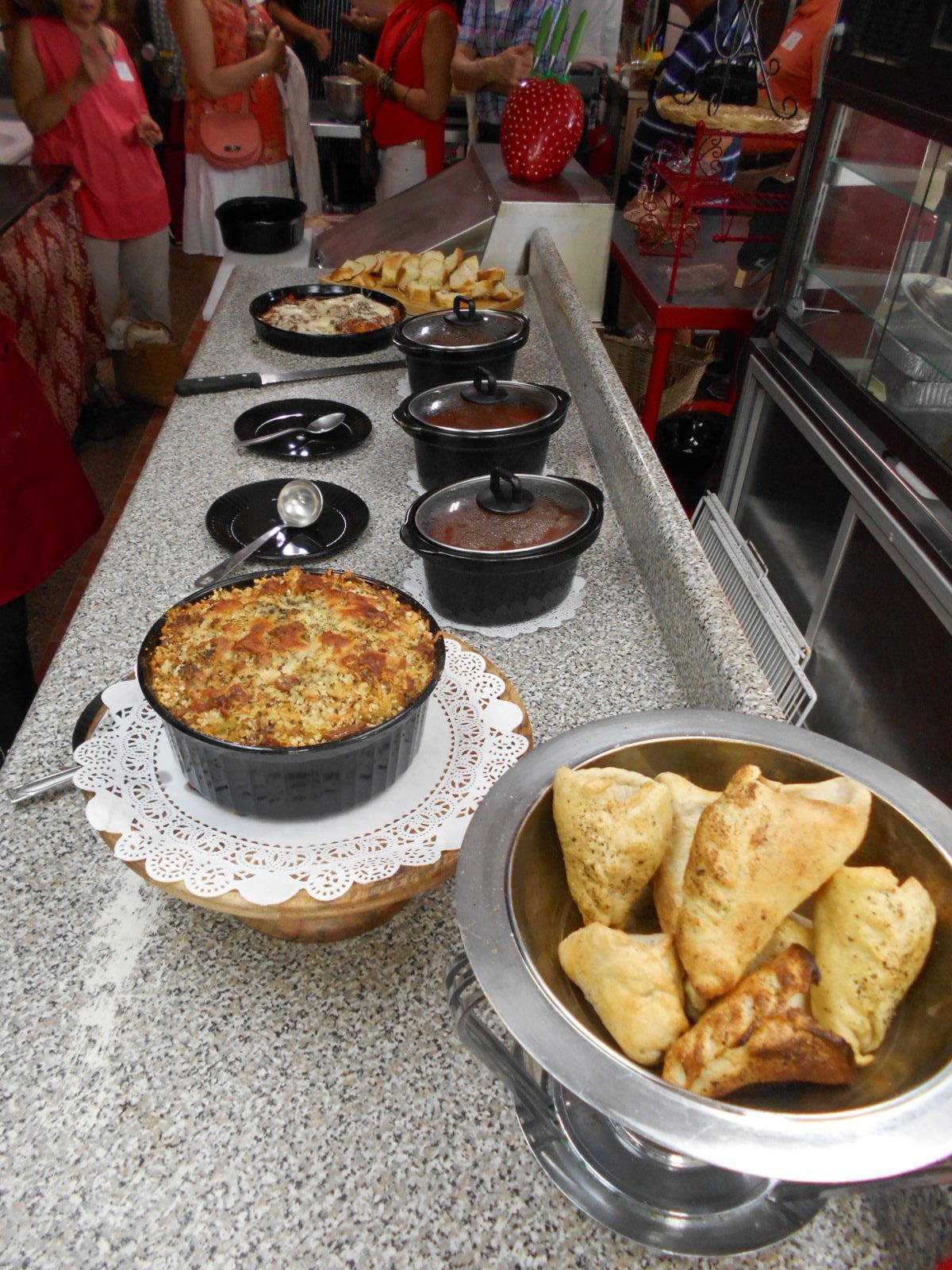Mama-Gizzis-pasta-buffet