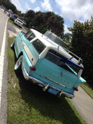 Vintage Rambler with surfboard