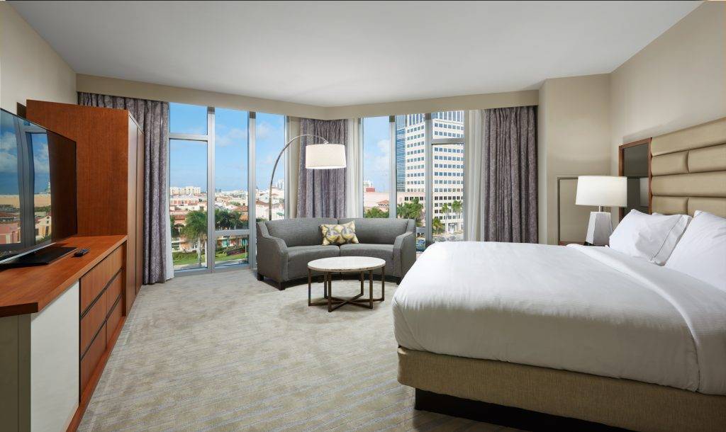 HiltonWestPalmBeach_1BedroomSuiteCityView1_HR
