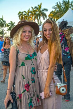 Best-Friends-at-SunFest-WPB-Fashion-Trends