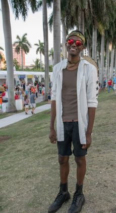 Single-Guy--at-SunFest-WPB-Fashion-Trends