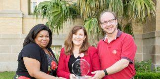 Palm Beach Zoo & Conservation Society Wins Providencia Award